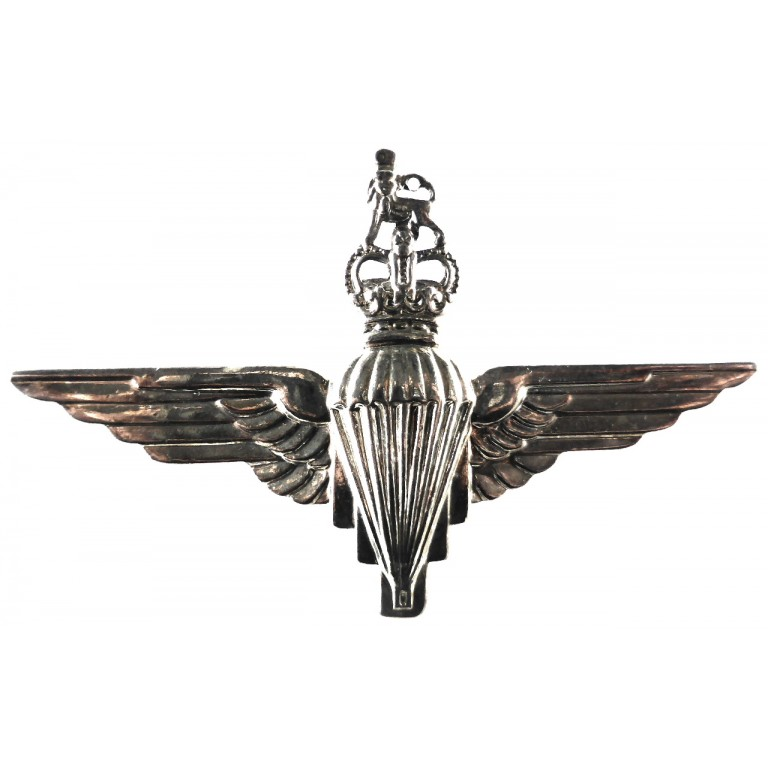 Parachute Regiment E11R Bright Plated Cap Badge