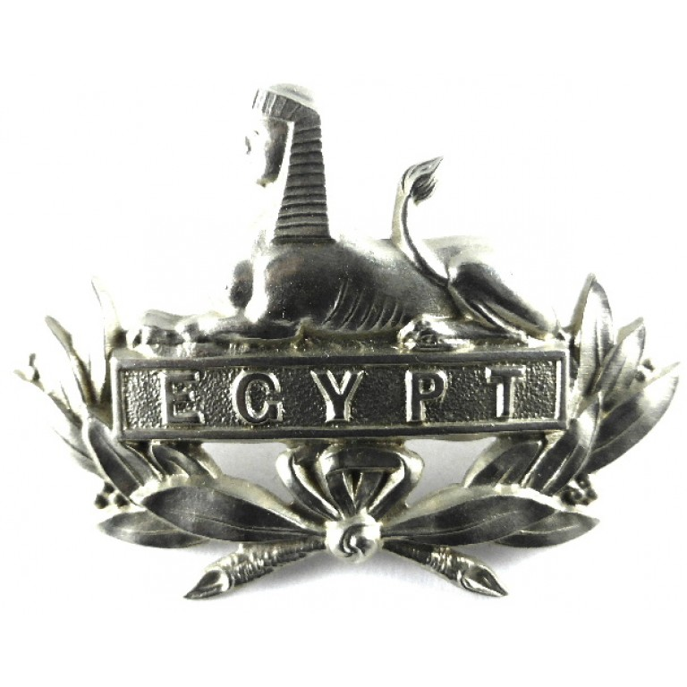 Gloucestershire Regiment Early Pattern White Metal Cap Badge