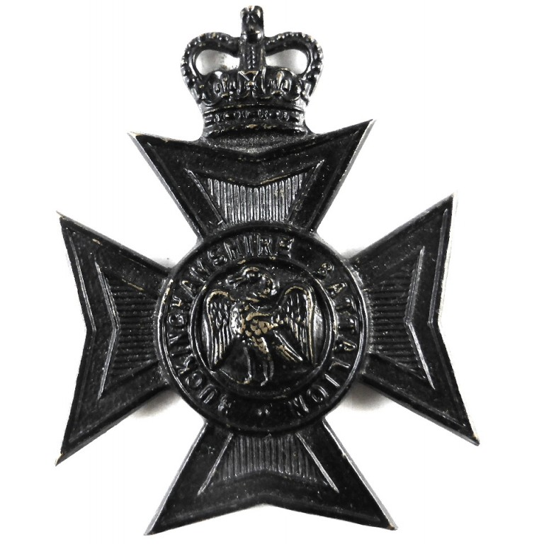 Buckinghamshire Bn E11R Blackened Brass Cap Badge